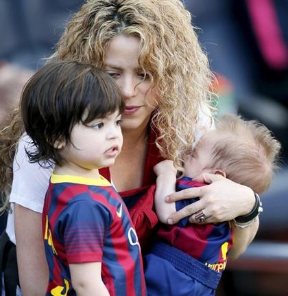 Shakira y sus hijos latidos.pe